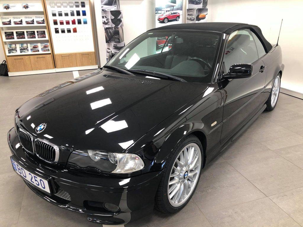 BMW 330i (1)