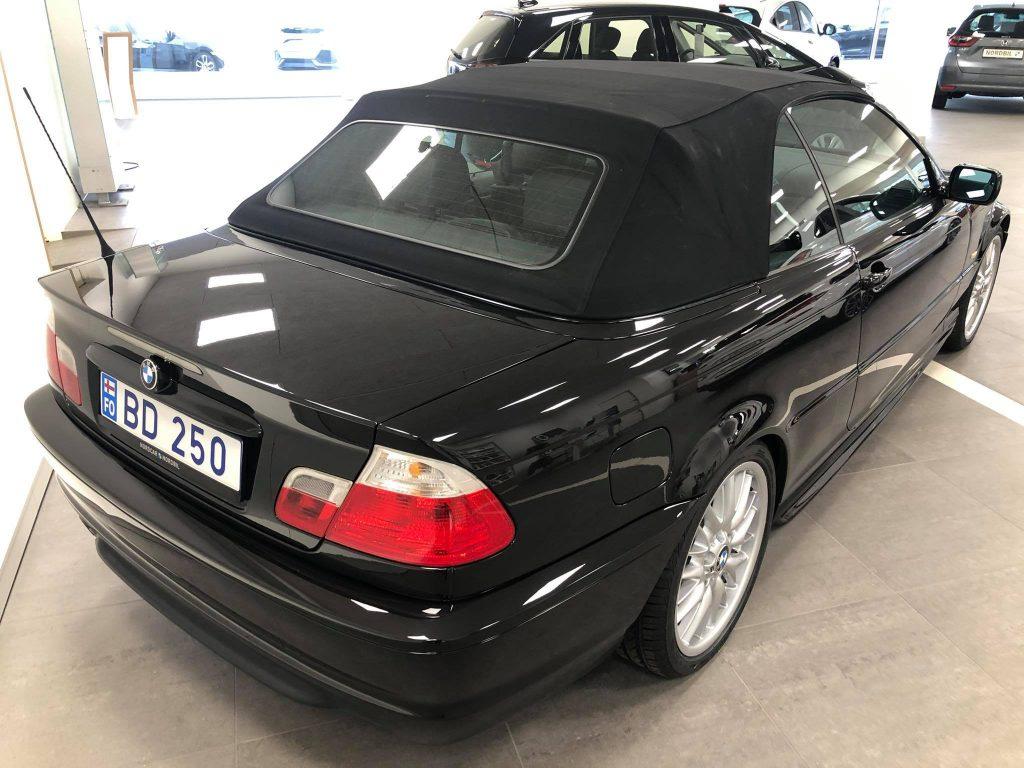 BMW 330i (3)